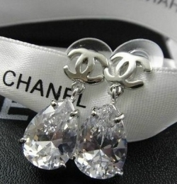 Classic Crystal Drop Earring