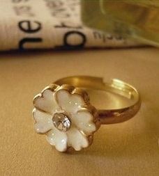 French Romantic Glaze Flower Ring Daisy Ring